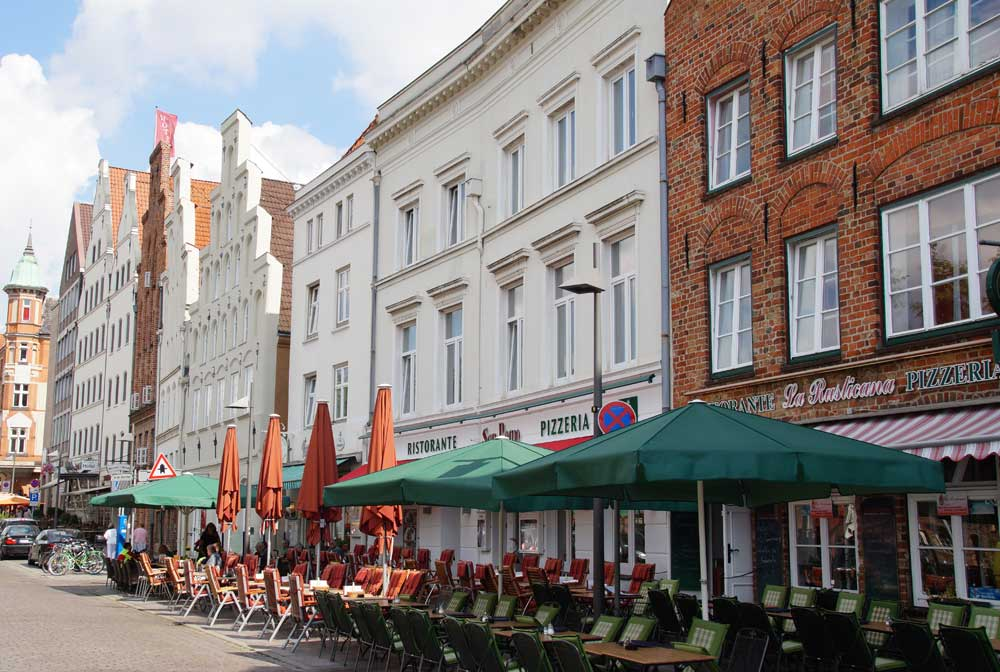 Obertrave mit Restaurants