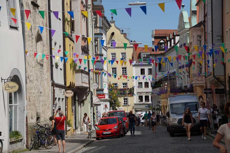 Strasse in der Altstadt von Regensburg