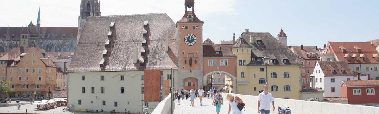 Tor zur Steinernen Brücke in Regensburg
