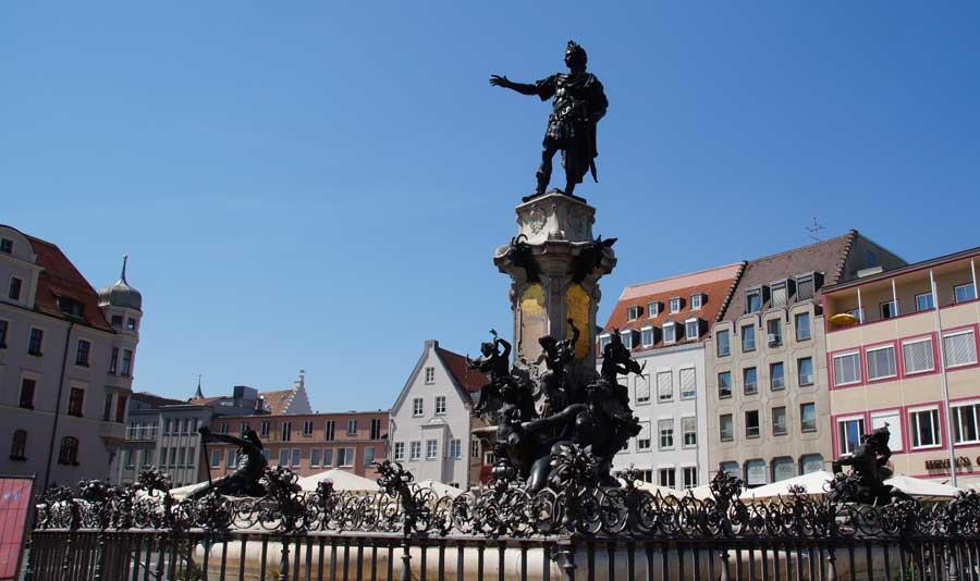 Sehenswürdigkeit Augsustusbrunnen
