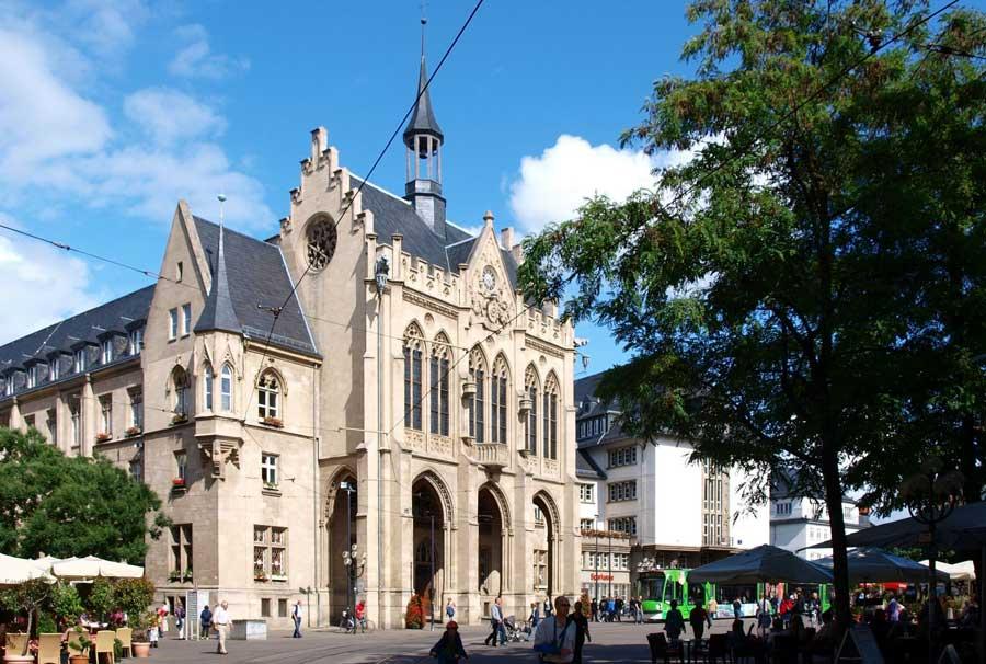 DasSehenswürdigkeiten in Erfurt - Rathaus am Erfurter Fischmarkt