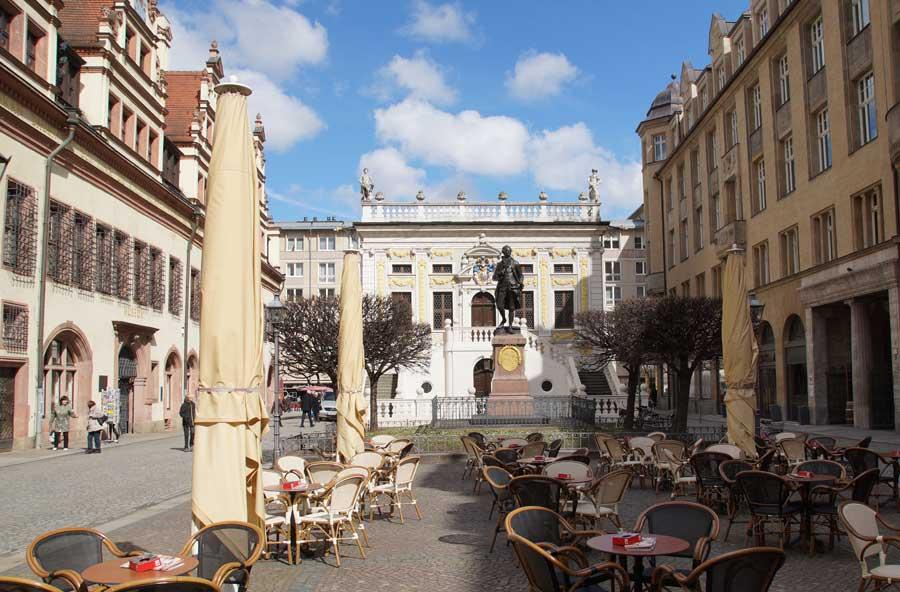 Sehenswürdigkeiten in Leipzig -Goethe auf dem Naschmarkt