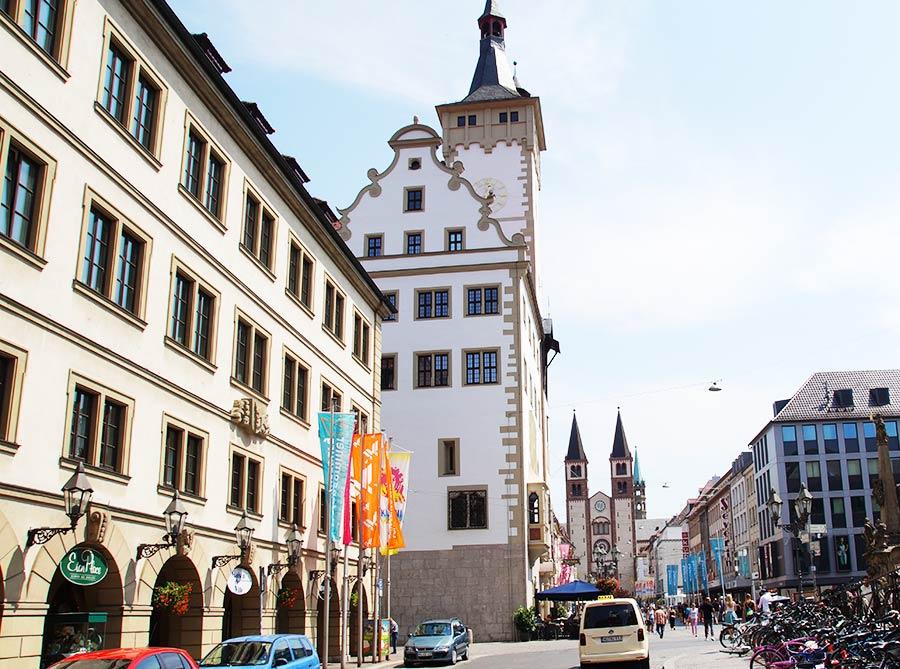 Rathaus und Grafen-Eckart-Bau