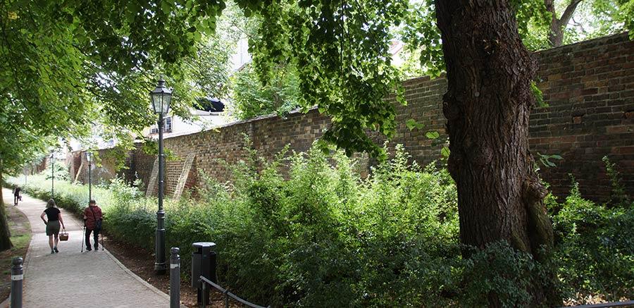 Reste der Mauer um die Altstadt von Brandenburg