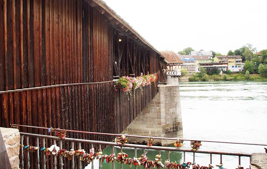 Die längste überdachte Holzbrücke Deutschlands - die Alte Rheinbrücke in Bad Säckingen